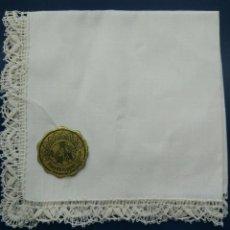 Antigüedades: PAÑUELO CON ENCAJE DE ALEMANIA. Lote 102835735