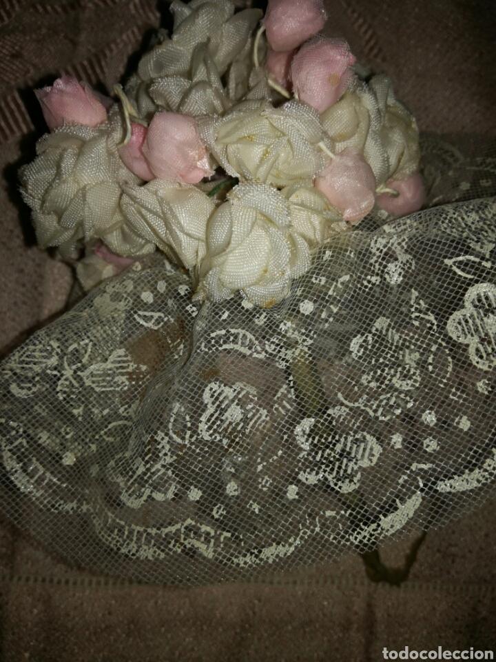 Antigüedades: Pequeño ramo de flores de comunion - Foto 4 - 102940774