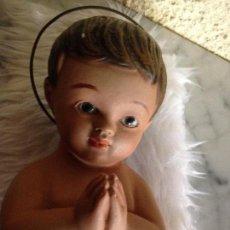 Antigüedades: NIÑO JESUS EN ESCAYOLA. Lote 102986271