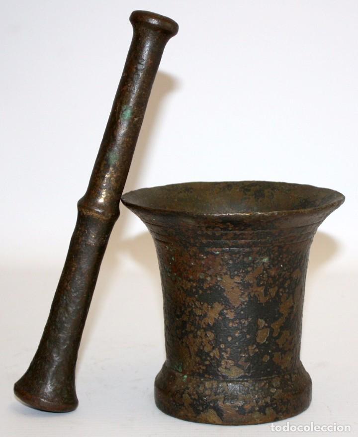 ANTIGUO ALMIREZ EN BRONCE DEL SIGLO XVIII. MORTERO (Antigüedades - Técnicas - Rústicas - Utensilios del Hogar)