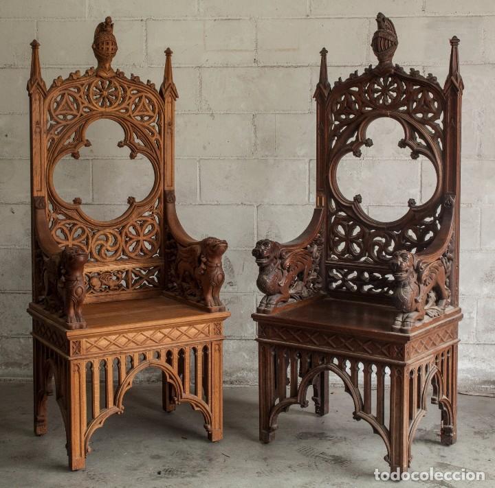 Antigüedades: Conjunto muebles compuesto de 6 sillas 2 butacas y una mesa de estilo neogótico alemán finales XIX - Foto 5 - 103048479