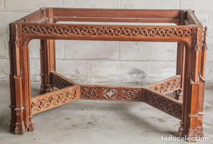 Antigüedades: Conjunto muebles compuesto de 6 sillas 2 butacas y una mesa de estilo neogótico alemán finales XIX - Foto 9 - 103048479