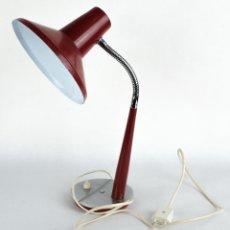 Antigüedades - Lámpara de sobremesa flexo estilo vintage en latón rojo y metal años 70 - 103077455