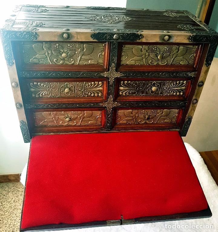 BARGUEÑO TOLEDANO (Antigüedades - Muebles Antiguos - Bargueños Antiguos)