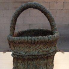 Antigüedades: ANTIGUA HUEVERA ESPARTO AÑOS 50. Lote 103149910