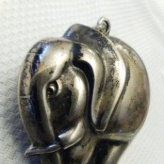 Antigüedades: COLGANTE O LLAVERO DE ELEFANTE DE PLATA. Lote 103180055