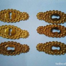 Antigüedades: 6 BOCALLAVES DE METAL DORADO. 8 CM DE LONGITUD.. Lote 103202743