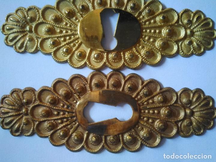 Antigüedades: 6 BOCALLAVES DE METAL DORADO. 8 CM DE LONGITUD. - Foto 2 - 103202743