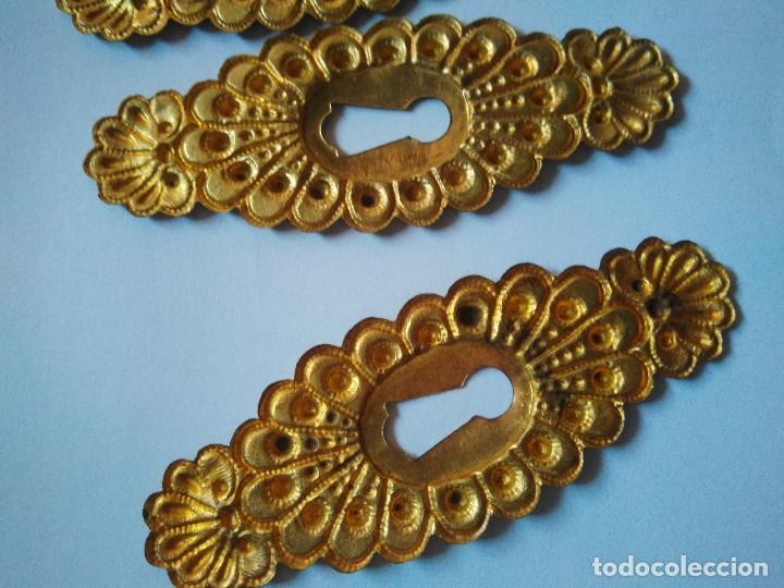 Antigüedades: 6 BOCALLAVES DE METAL DORADO. 8 CM DE LONGITUD. - Foto 4 - 103202743