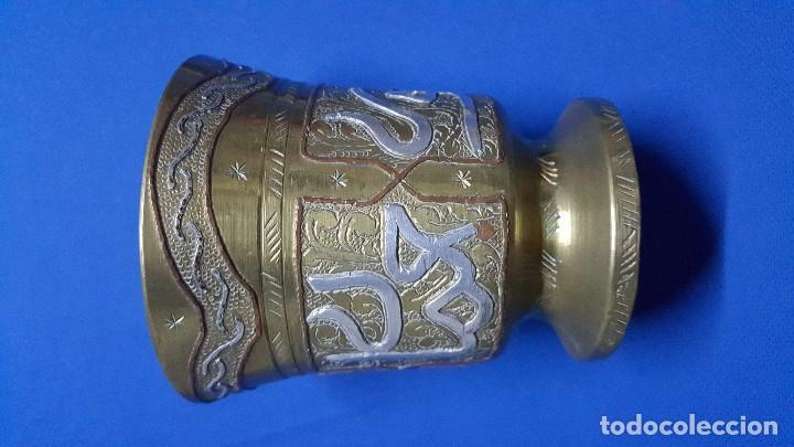 Antigüedades: Mortero almirez de bronce medicinal francés con iniciales HSB. - Foto 4 - 150169432
