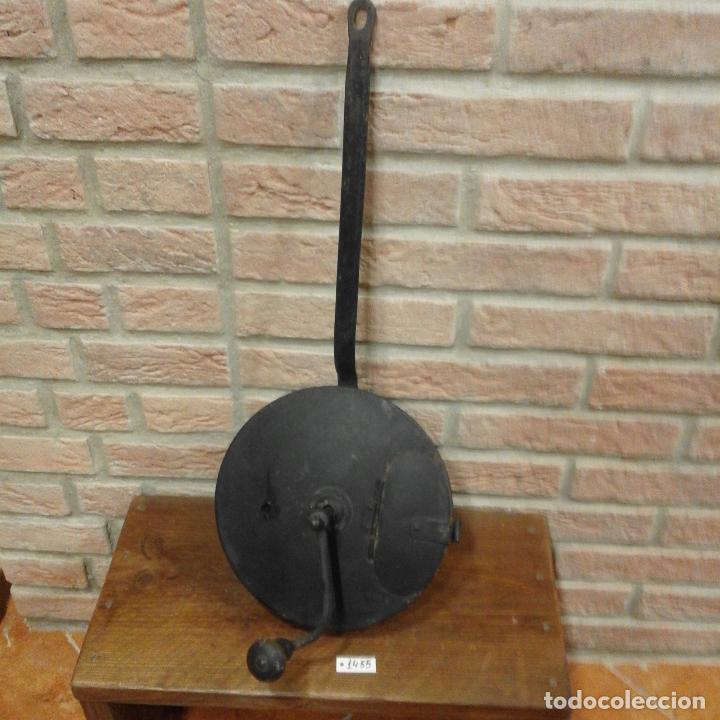 ANTIGUO TOSTADOR DE FRUTOS SECOS (Antigüedades - Técnicas - Rústicas - Utensilios del Hogar)