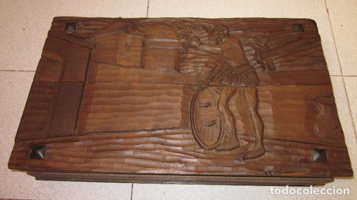 Antigüedades: talla de don quijote 50 x 30 x 7 ideal caja de madera - Foto 5 - 103263291