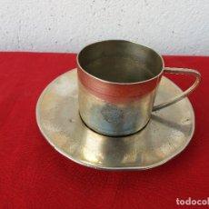 Antigüedades: PLATO Y TAZA PLATA MENESES. Lote 103303879