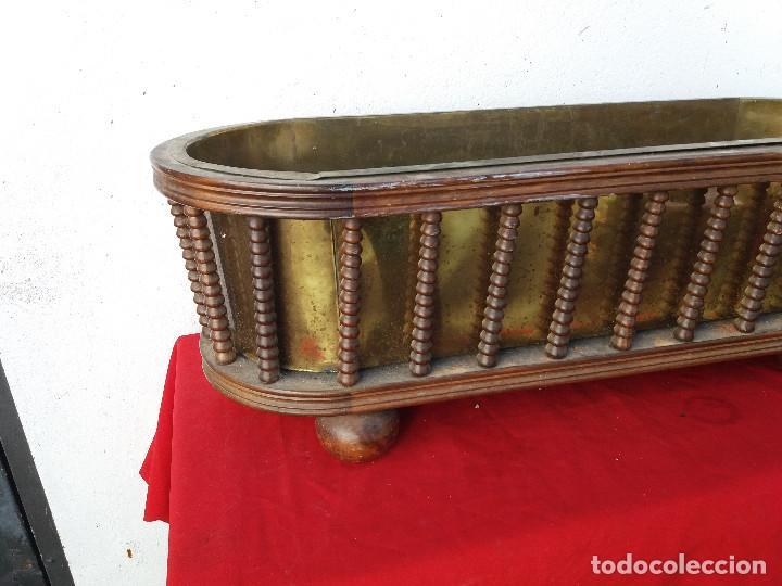 Antigüedades: macetero grande de madera y metal - Foto 3 - 103306667