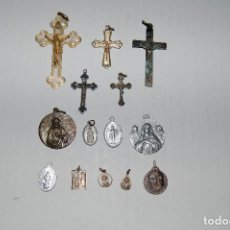 Antigüedades: LOTE DE CINCO CRUCES Y NUEVE MEDALLAS - CRUZ - MEDALLA ALGUNA DE PLATA - JEANNE JUGAN.... Lote 103309015