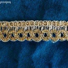 Antigüedades: PASAMANERIA DORADA PARA VESTIMENTA DE IMAGEN VIRGEN O SANTO. Lote 103416335