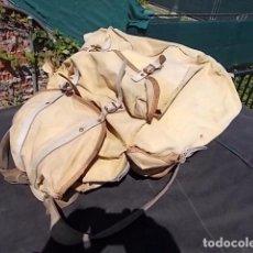 Antigüedades: MORRAL GRANDE DE CAZA, CON ARMADURA DE HIERRO ADAPTABLE A LA ESPALDA. Lote 103486919