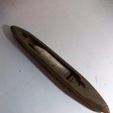 Antigüedades: ANTIGUA LANZADERA DE TELAR. Lote 103501559