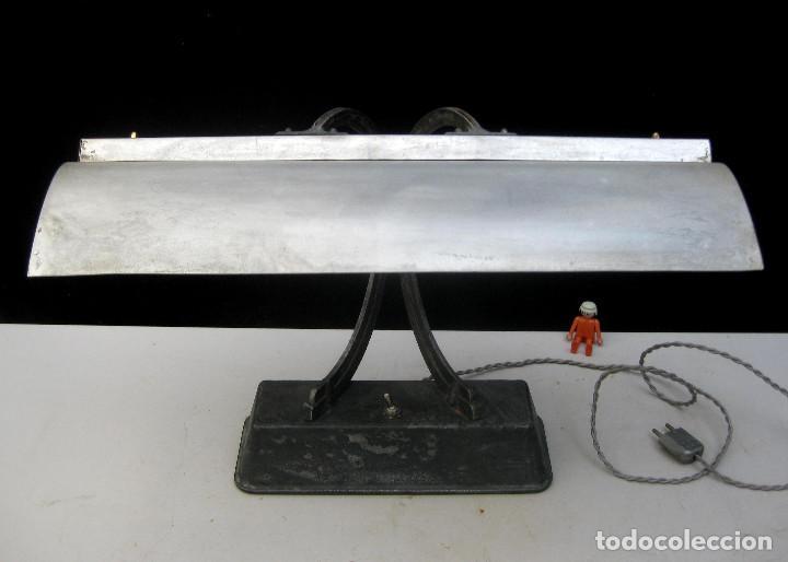 Antigüedades: LAMPARA ANTIGUA ESCRITORIO BANQUERO ART NOUVEAU CLAUDE LUMIERE Y OTRA INDUSTRIAL - Foto 4 - 103514551
