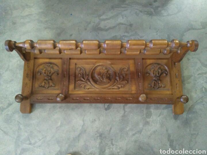 Antigüedades: Baul y perchero de entrada en madera tallado con cabezas de conquistadores - Foto 6 - 103569432