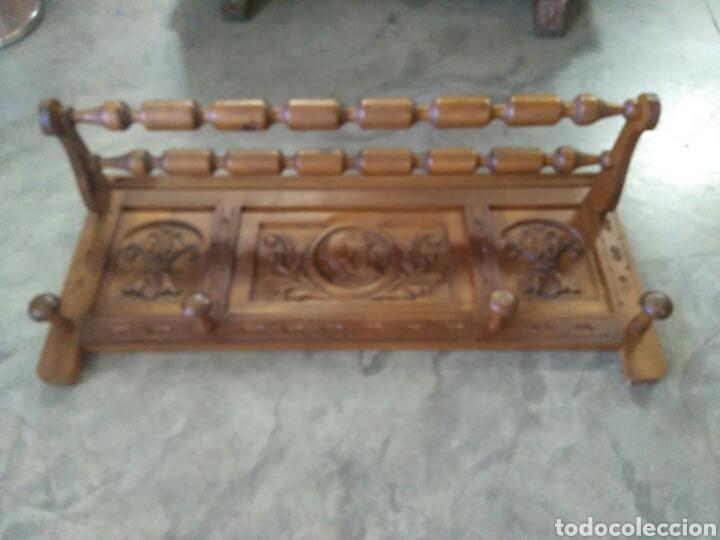 Antigüedades: Baul y perchero de entrada en madera tallado con cabezas de conquistadores - Foto 7 - 103569432
