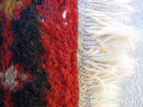 Antigüedades: Alfombra persa. Pura lana anudada a mano. - Foto 4 - 103581771