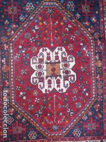 Antigüedades: Antigua alfombra persa. Shiraz. Pura lana, anudada a mano - Foto 2 - 103585667