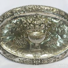 Antigüedades: ELEGANTE Y GRAN BANDEJA DE PLATA ESPAÑOLA, MADRID S XIX. Lote 103597439