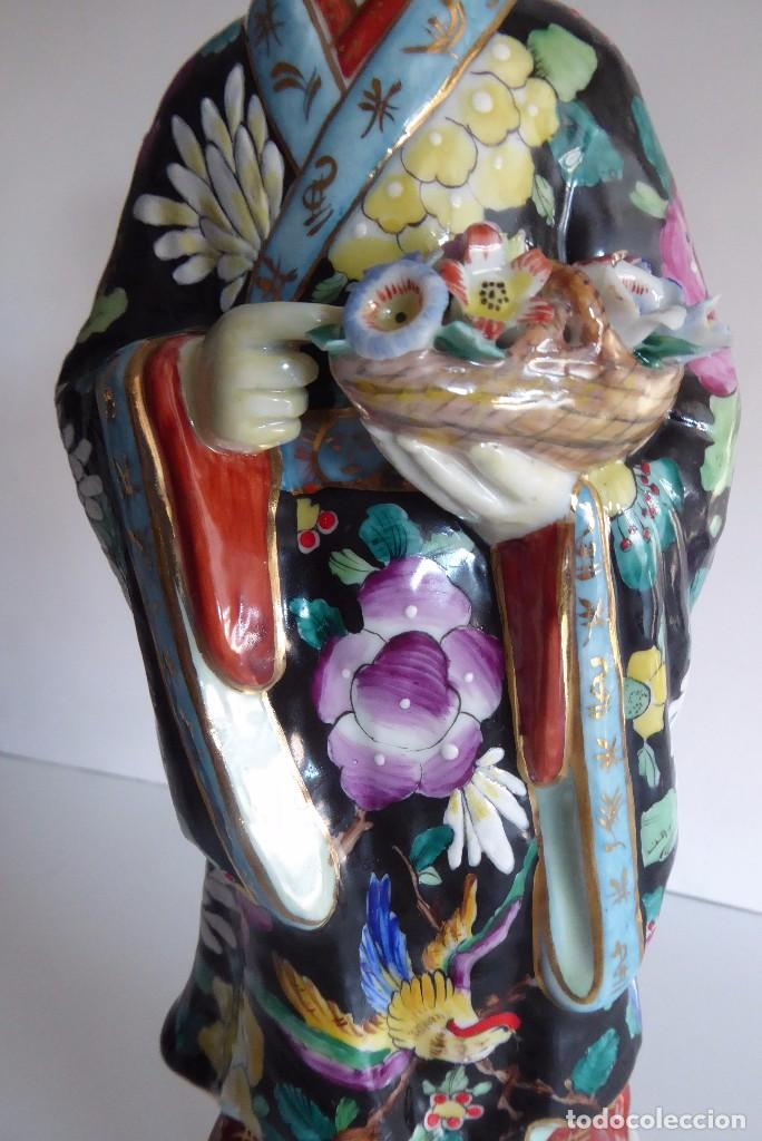 Antigüedades: VALIOSA FIGURA CHINA DECORADA A MANO - Foto 4 - 103604971