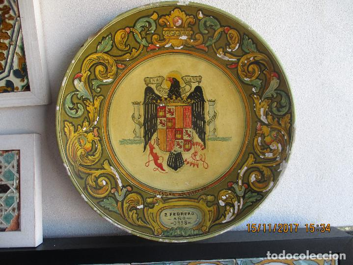 PLATO CON ESCUDO FRANQUISTA AÑO 1938 (Antigüedades - Porcelanas y Cerámicas - Triana)