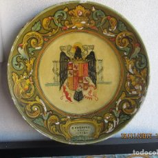 Antigüedades: PLATO CON ESCUDO FRANQUISTA AÑO 1938. Lote 103640259