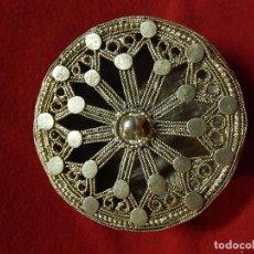 Antigüedades: INDIA. ARO PARA LÓBULO DE OREJA, PARA CLASES NOBLES O MAHARAJAS. IMPERIO MOGOL. SIGLOS XVII A XIX.. Lote 103666123