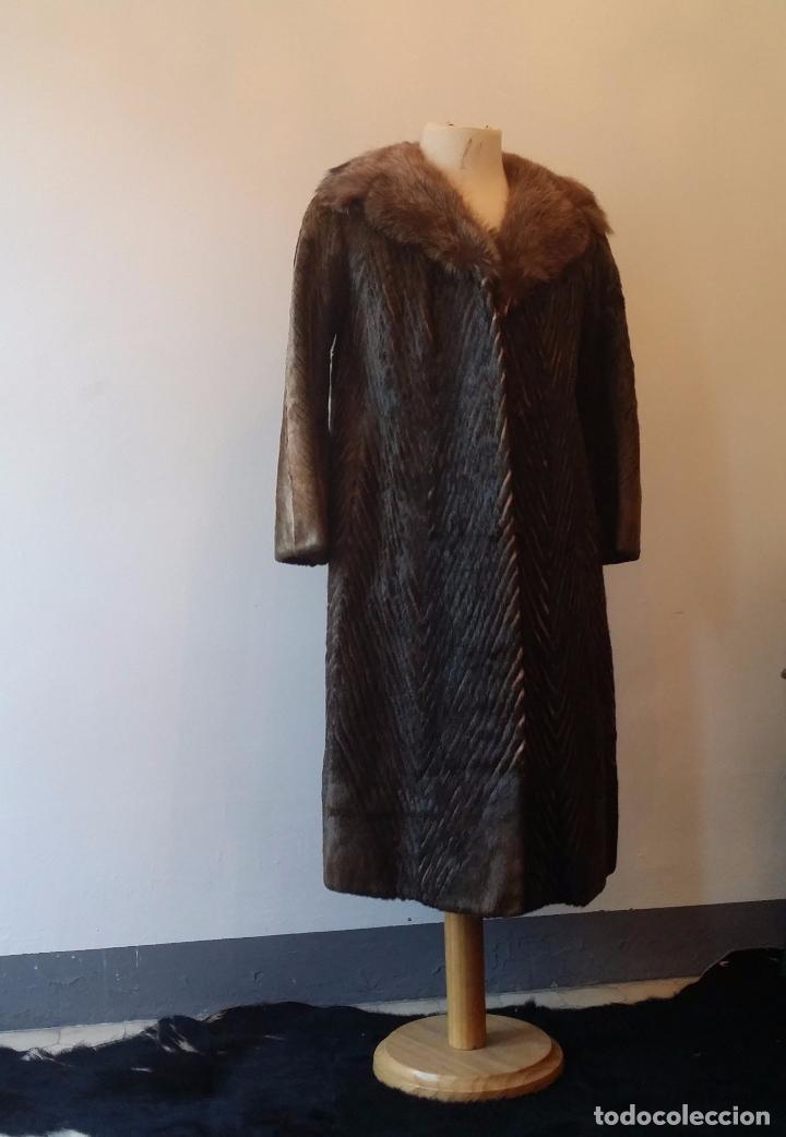 Antigüedades: Abrigo de piel natural - Foto 2 - 103674079