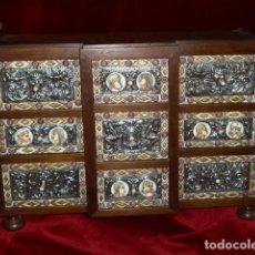 Antigüedades: IMPRESIONANTE BARGUEÑO ( PLATA, HUESO, HIERRO Y NOGAL ) DIGNO DE MUSEO. . Lote 103725659