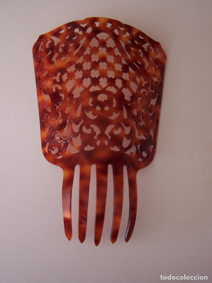 Antigüedades: Peineta de celuloide sin usar. Altura: 24.5 cm. - Foto 2 - 103796687