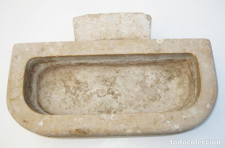 Antigüedades: FANTASTICA BENDITERA DE CAPILLA O IGLESIA ORIGINAL ANTIGUA EN PIEDRA O MARMOL - Foto 3 - 103797919