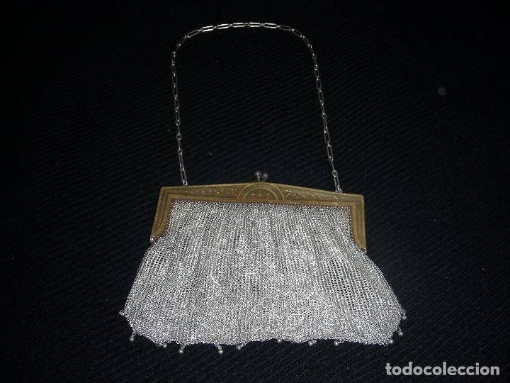 BOLSO MALLA DAMASQUINADO (Antigüedades - Moda - Bolsos Antiguos)