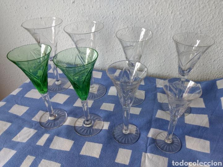 Antigüedades: Juego de 50 copas antiguas de cristall tallado - Foto 2 - 103850822