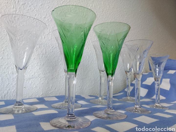 Antigüedades: Juego de 50 copas antiguas de cristall tallado - Foto 4 - 103850822