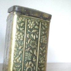 Antigüedades: DE COLECION CAJA DE HORALATA DE CAFE ANOS 1918,1920 HEHCA N RELIEVO LADA KAISER KAFFEE-GESCHAFT. Lote 103875735