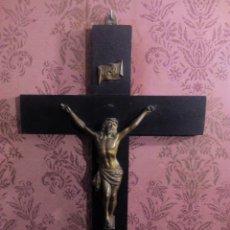 Antigüedades: ANTIGUO CRUCIFIJO DE MADERA Y CRISTO DE BRONCE. EXCELENTE ESTADO.. Lote 103885679