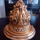 Antigüedades: MENSULA - PEANA DE ESTUCO Y PAN DE ORO.. Lote 103886947