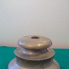 Antigüedades: ANTIGUA PEANA PINTADA MUY BONITA O FLORON DE LAMPARA. Lote 103905883