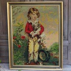 Antigüedades: GRAN CUADRO BORDADO A PUNTO DE CRUZ INFANTE CON PERRITO IDEAL DECORACIÓN SHABBY CHIC. Lote 103946731