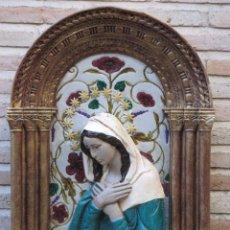 Antigüedades: FIGURA EN RELIEVE DE VIRGEN MARIA REALIZADA EN ESTUCO.. Lote 103966343