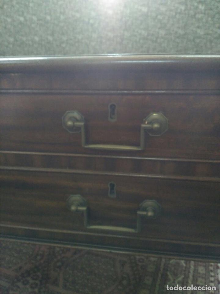 Antigüedades: Mesa de despacho con 5 cajones tapa piel marrón - Foto 6 - 57450418