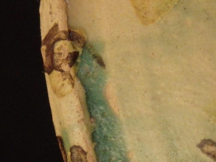 Antigüedades: Benditera en cerámica de Talavera o Puente del Arzobispo. Siglo XVII. - Foto 15 - 142787557