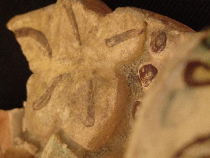 Antigüedades: Benditera en cerámica de Talavera o Puente del Arzobispo. Siglo XVII. - Foto 19 - 142787557