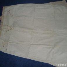 Antigüedades: ANTIGUO CAMISÓN DE VERANO ALGODÓN GRUESO BORDADO. Lote 103991991