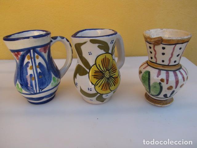 Antigüedades: Colección de 9 antiguas jarritas de cerámica: Talavera, Manises y Teruel - Foto 2 - 103996659